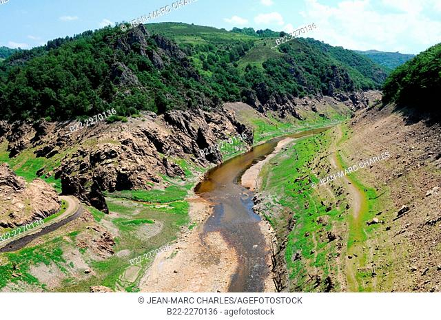From may till october 2014, complete technical examination of the hydroelectric dam of Sarrans by total draining, Sarrans hydroelectric dam, North Aveyron