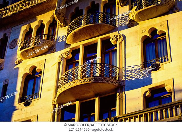 Detail, windows and balconies. Hotel Casa Fuster. Designed by Lluís Domènech i Montaner architect between 1908 and 1910. Gracia quarter, Barcelona, Catalonia