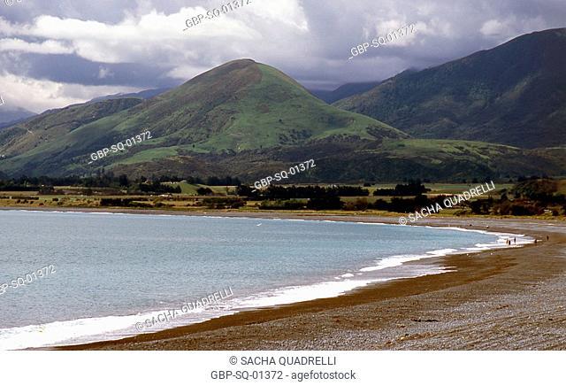 Beach, mountains, Kaikoura, South Island, New Zealand