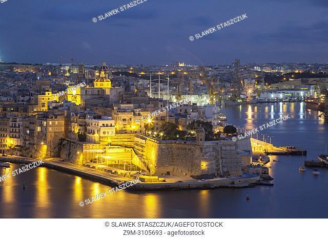 Night falls at Senglea, Malta