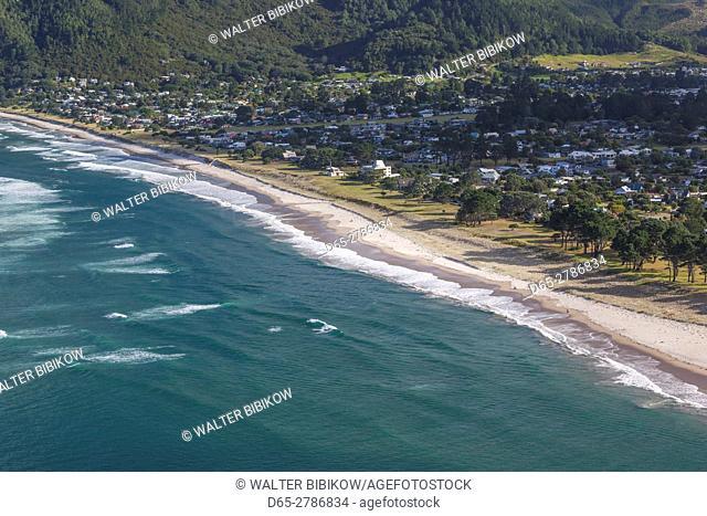 New Zealand, North Island, Coromandel Peninsula, Tairua, elevated view of Pauanui from Paaku Hill
