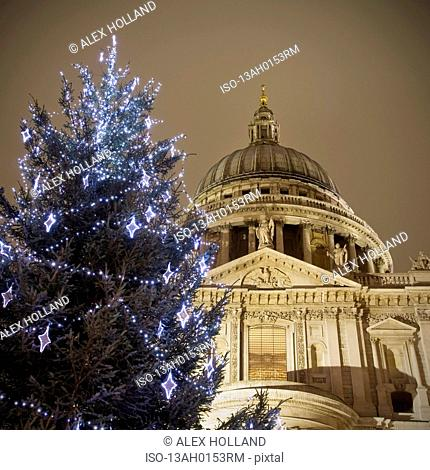 St Paul's Cathedral at Christmas