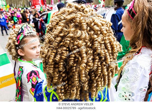 England, London, Piccadilly, St.Patrick's Day Parade, Irish Folk Dancers