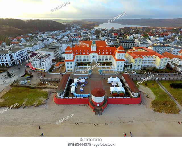 beach-front promenade and spa hotel Binz in winter, 28.12.2016, airial photo, Germany, Mecklenburg-Western Pomerania, Ruegen, Binz