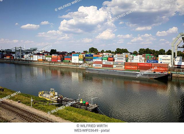 Germany, Baden-Wuerttemberg, Mannheim, Muehlauhafen, Container terminal