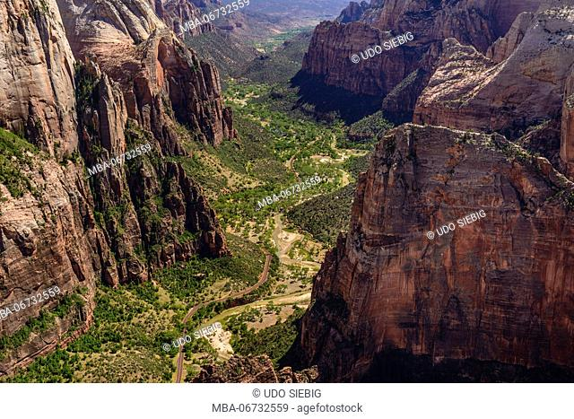 The USA, Utah, Washington county, Springdale, Zion National Park, Zion canyon with Angels Landing, view from observation Point