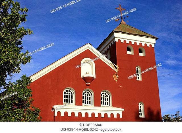 Red Ninhue Building