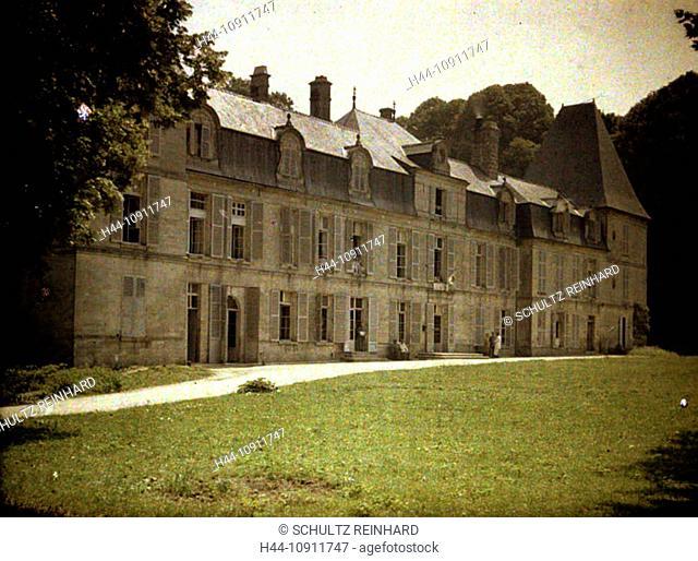 War, Europe, world war I, 1917, Europe, world war, color photo, Autochrome, F. Cuville, western front, castle, Vauxbuin, hospital, military hospital, facade