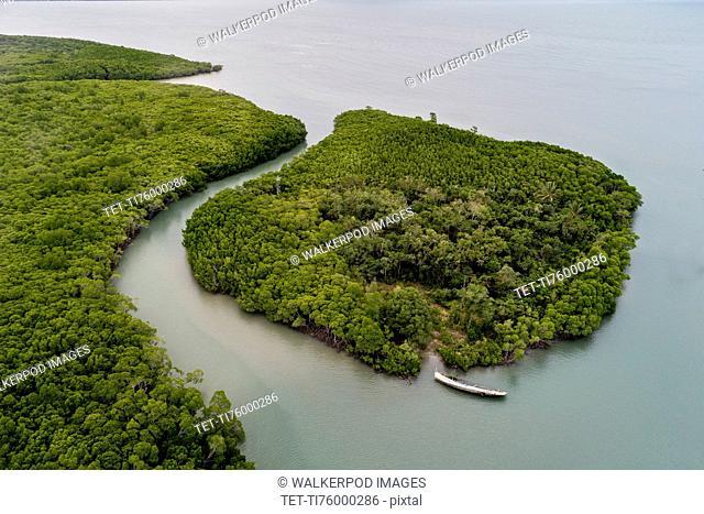 Australia, Queensland, Green island next to coastline