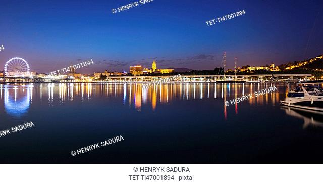 Spain, Andalusia, Seville, Skyline at dusk