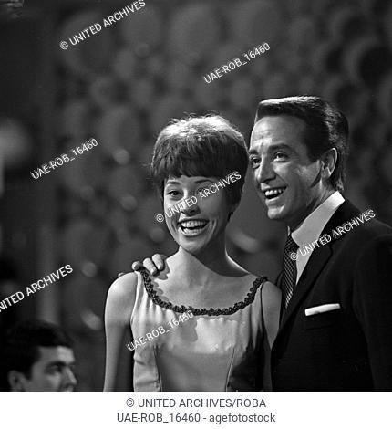 Musik und Information, Fernsehserie, Deutschland 1966, Mitwirkende: Jacques Boon (rechts)