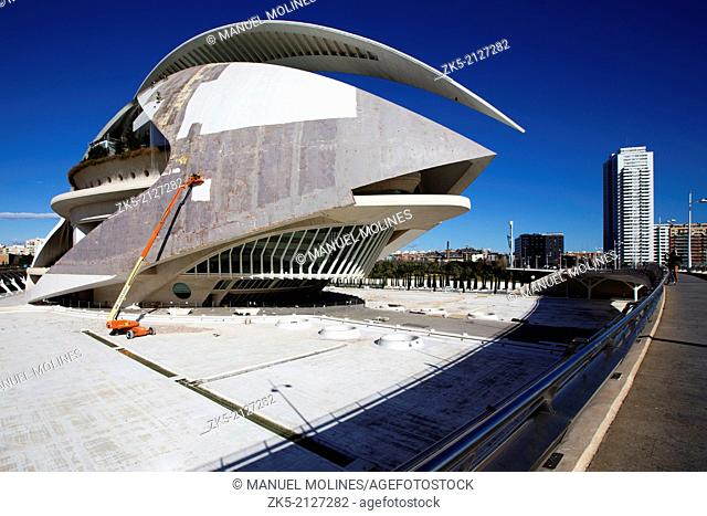 Palau de les Arts, works Stripping Trencadís that covers the building, Valencia, Spain