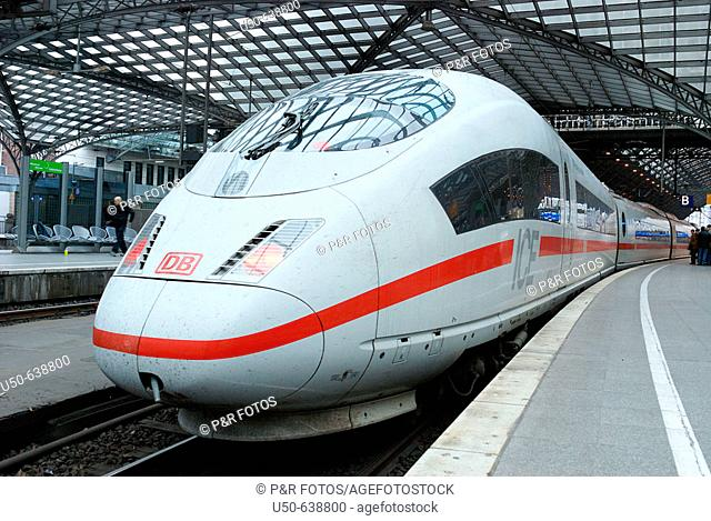 Inter City Express (ICE) in Cologne train station, Cologne. Germany, 2007