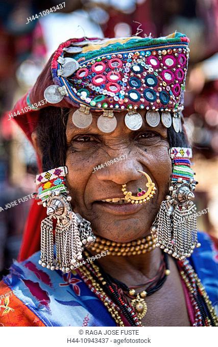 India, South India, Asia, Goa, Anjuna Flea Market, Local, woman, Anjuna, Flea Market, colourful, costume, decoration, jewellery, market, ornaments, smile