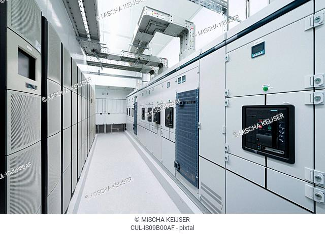 Datacenter for storing large amounts of data, and is an important hub for the internet. APU installation, emergency power unit