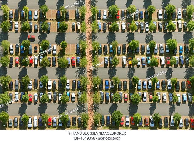 Aerial view, car park of OLG Hamm, Hamm higher regional court, commuter parking, Hamm, Ruhrgebiet area, North Rhine-Westfalia, Germany, Europe