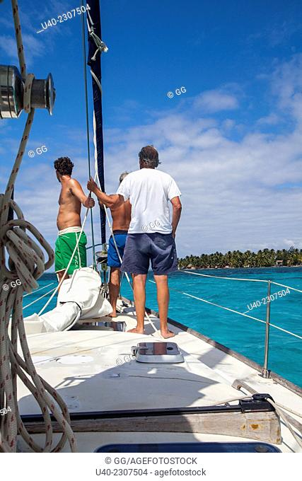 Sailing the cayes, Belize