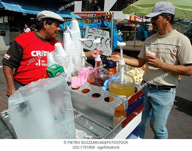 Ciudad de Panamá Panama: slush seller along the Avenida Central