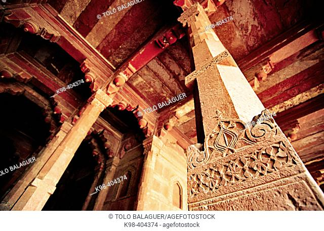 Column. Jami Majid mosque. Fatehpur Sikri. Uttar Pradesh. India
