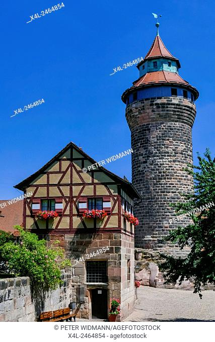 The Kaiserburg Castle, Inner Yard, Deep Well, Sinnwell Tower, Museum, Nuremberg, Bavaria, Franconia, Germany