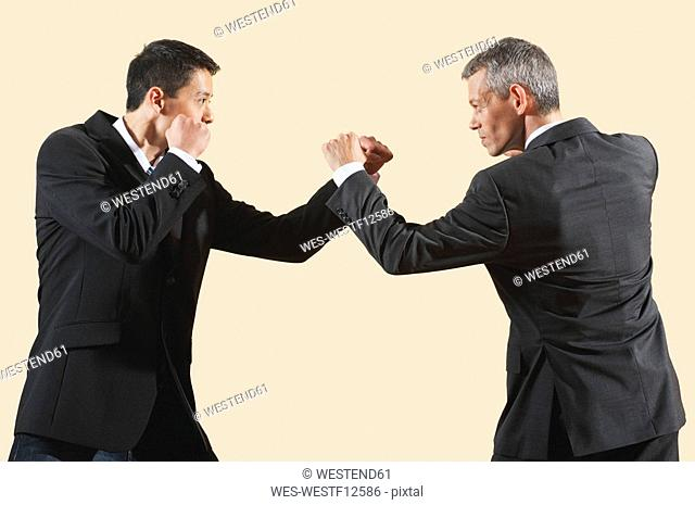 Kung Fu, Sanda, Gedou shi, Two businessmen fighting