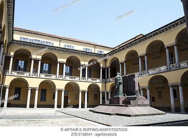 Courtyard, University of Pavia. Pavia, Lombardy, Italy, Europe