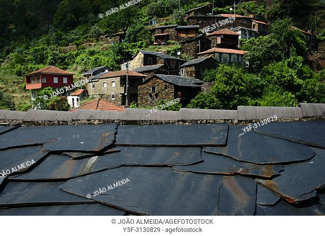 Villages hidden in the valleys of Arada mountains