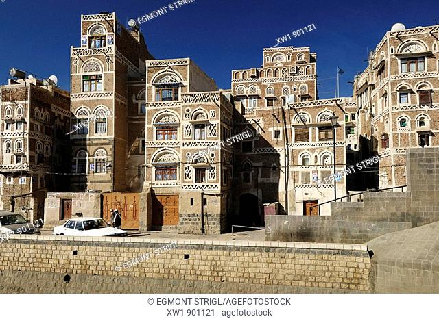 decorated historic house in the oldtown of Sanaa, Sana'a, UNESCO World Heritage Site, Yemen, Arabia, West Asia