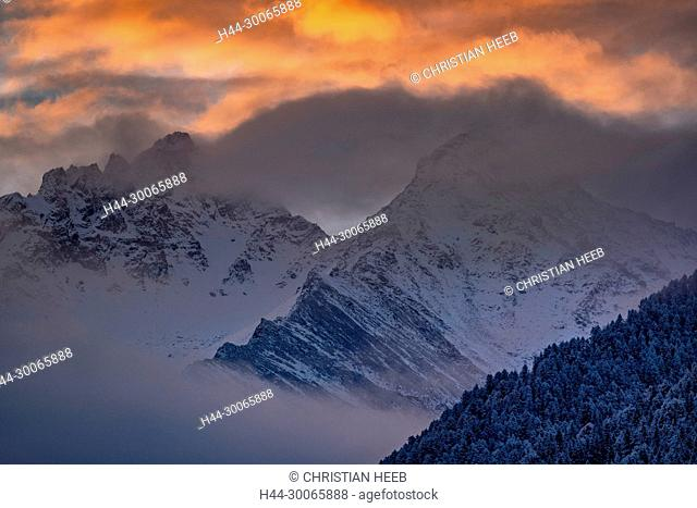Asia, China, Chinese, Peoples Republic, Western China, Sichuan Province, Tibetan, Shuangqiao Valley, Xiaojin County, Himalaya,Peaks