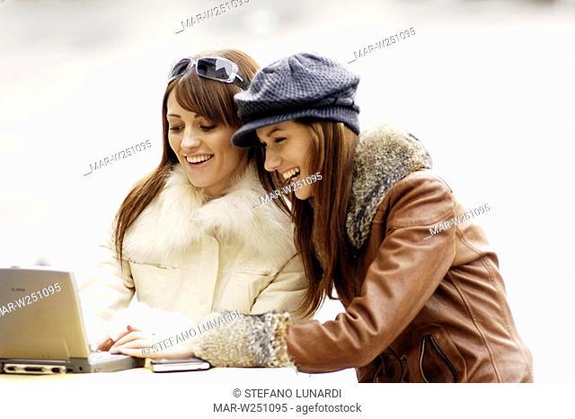 young women, outdoor, laptop