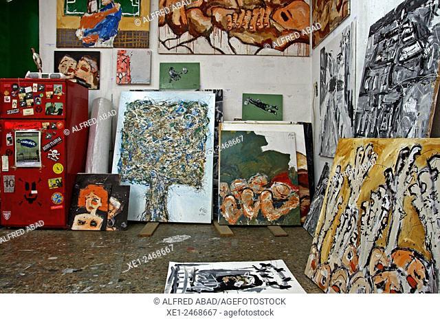 Store artistic studio paints, Gracia district, Barcelona, Catalonia, Spain