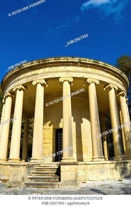 Mnimio Maitlant, Maitland monument, Piano Platia, Spianada park, Corfu town, Ionian islands, Greece