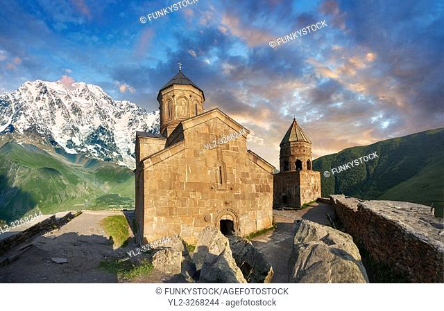 Pictures & images of Gergeti Holy Trinity (Tsminda Sameba) Georgian Orthodox and Apostolic Church, Georgia