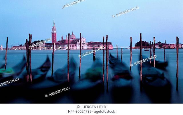Italy Venice Riva degli Schiavoni , Canale Grande Riva degli Schiavoni Gondola, pier,San Giorgio MaggioreVenedig, Venezia, Venice, Italia, Europe