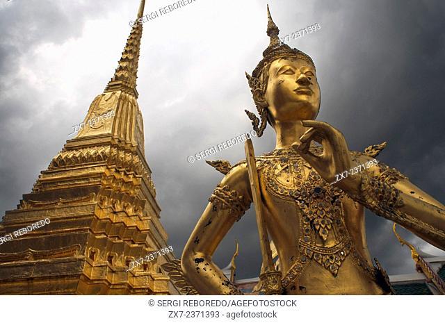 Grand Palace Wat Phra Kaeo Gold Statue Apsonsi Bangkok Thailand. Grand Palace and Emerald Buddha temple Wat Phra Kaeo. The Grand Palace RTGS: Phra Borom Maha...