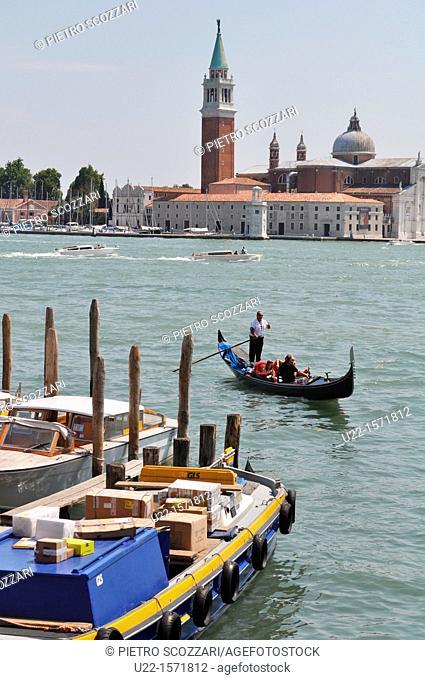 Venezia (Italy): gondola along the Canale di San Marco, the Isola di San Giorgio Maggiore on the background