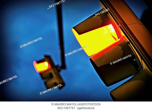 Old traffic light in red, Barcelona, Catalonia, Spain
