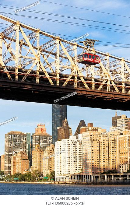 Queensboro Bridge and overhead cable car