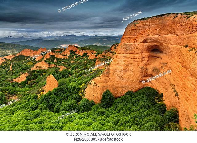 Nature landscape, Las Médulas Roman gold mining, World Heritage Site, El Bierzo, Leon province, Castilla-Leon, Spain