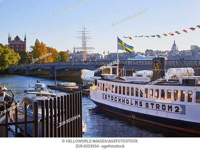 Skeppsholmsbron Bridge in autumn sunlight, Stockholm, Sweden, Scandinavia