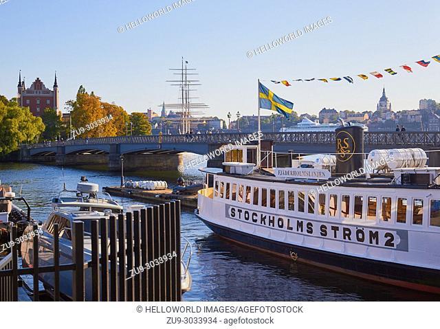 Skeppsholmsbron Bridge in autumn sunlight, Stockholm, Sweden, Scandinavia