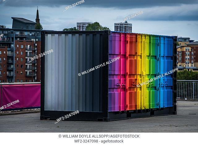 Storage container with striking paint scheme
