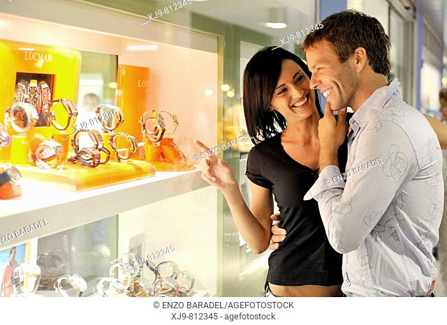 Married couple in front of the jewelry