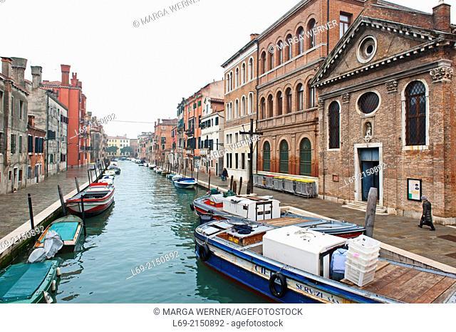 View from Ponte delle Cappuzine on Rio di San Girolamo, Sestiere Cannaregio, Venice, Veneto, Italy