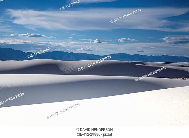 Tranquil white sand dunes and mountains, White Sands, New Mexico, United States