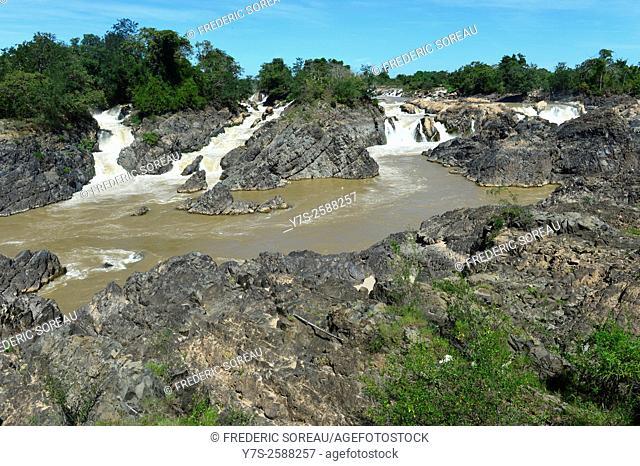 "Khong Pha Peng waterfalls, the """"Niagara of the Asia"""", Champassak,Southern Laos, South East Asia"