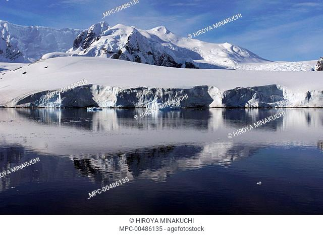 Snow-covered coastal landscape, Lemaire Channel, Antarctic Peninsula, Antarctica