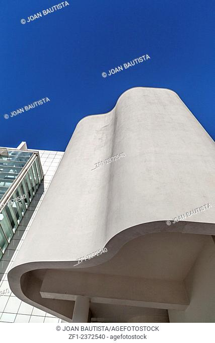 MACBA (Museu d'Art Contemporani de Barcelona), by Richard Meier, Barcelona