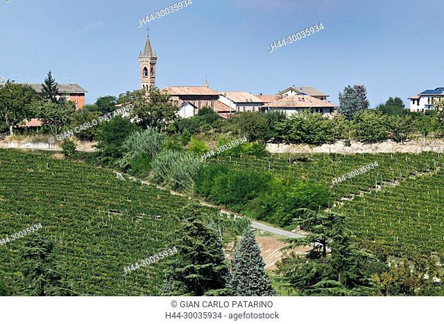 Italy, panorama of vineyards of Piedmont Langhe-Roero and Monferrato on the World Heritage List UNESCO the Sant'Antonio village near Canelli