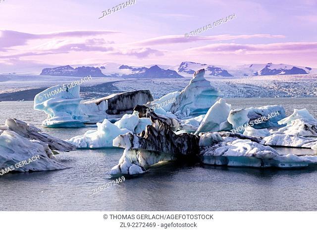 Jokulsarlon glacier lagoon, prime tourist destination Iceland